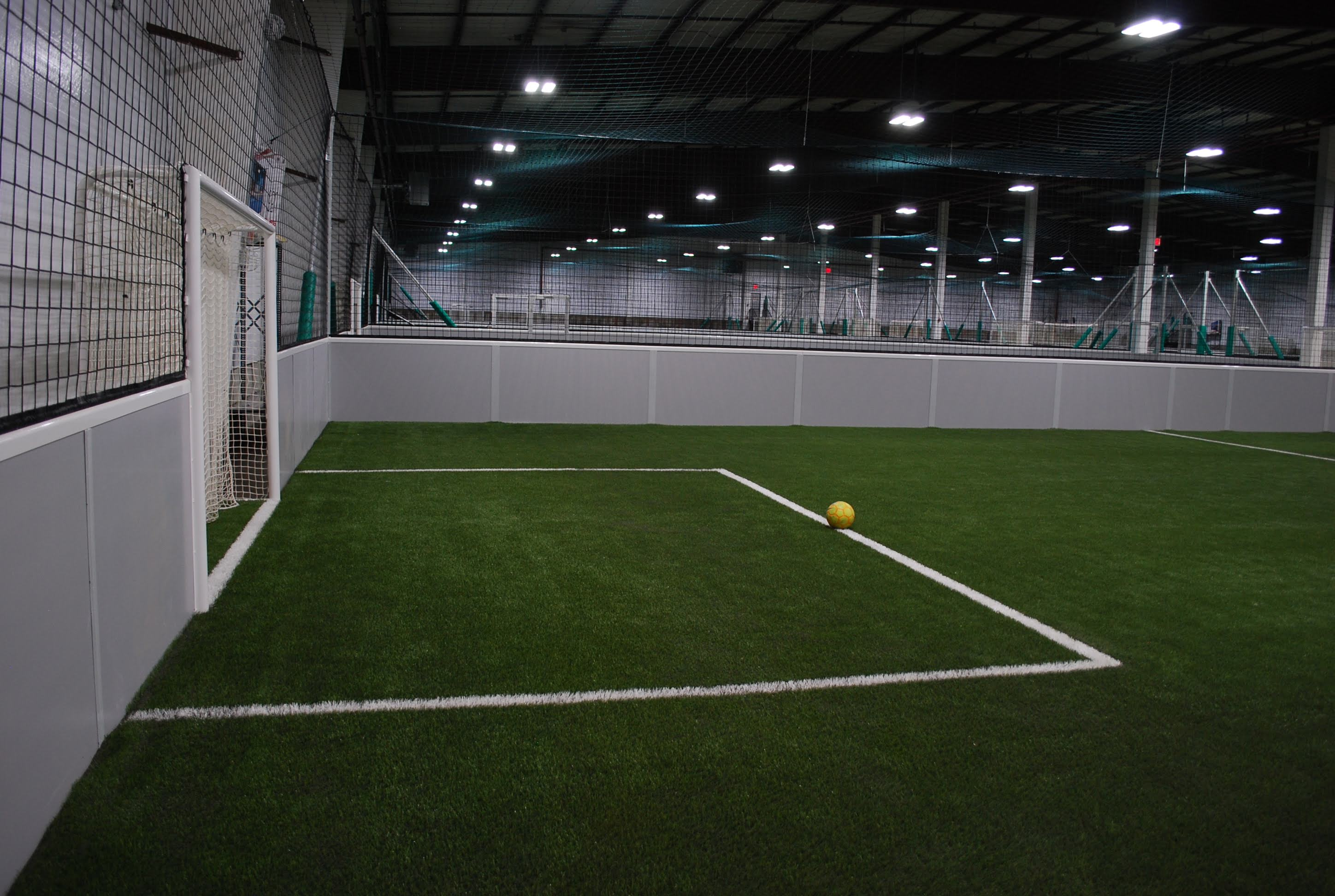 3a9e1a996b2 Customizing the soccer center: reception, changing rooms, floor coverings,  etc.